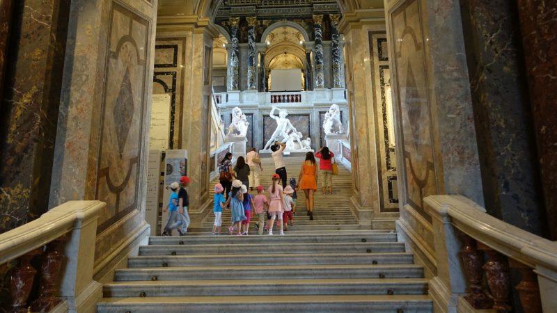 Prunkstiege im Kunsthistorischen Museum
